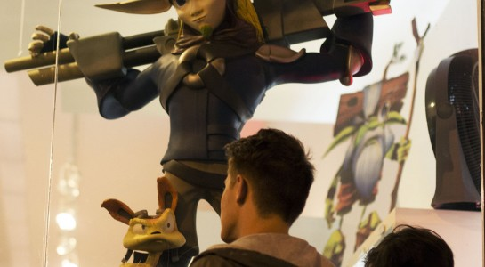 Jak 2 Statue In Front Of Gallery Nucelus